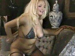 Naughty blonde hottie 1