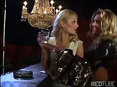 The lesbo luxury bar always provides some hot pussy licking