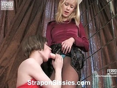Jess&Walter strapon sissysex action