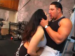 Muscular sweetheart and her man fuck in gym