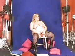 Blonde bbw have a fun the play