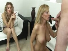 Hotty joins her mom and boyfriend in fuck video