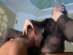 Funky honey receives her legs in fashion tights worshipped for a pantyhosejob