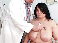 Bulky brunette hair Rosana went to doctor's to acquire her body checked up well. But there is this nasty pervert doctor who makes her naked and begins playing with her firm fat body! Watch how that guy is toying with her huge bazookas and gaping her pussy. He even fingers it to make her horny so that that guy can screw her well!