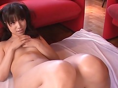 Busty Oriental charms a palpitating 10-Pounder with soaked engulfing