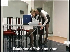 Rosa&Ninette awesome anal lesbo movie scene