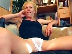 German non-professional discharges porn in her living room - Sascha Production